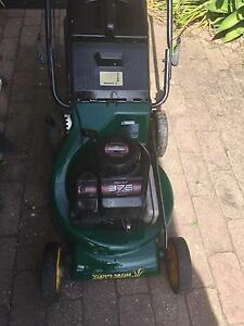MTD YARDMAN LAWN MOWER / ALLOY BASE , GREAT CONDITION Hallam Casey Area Preview