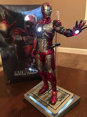 Hot Toys Iron Man 2 Mark V 1/6th Scale Figure