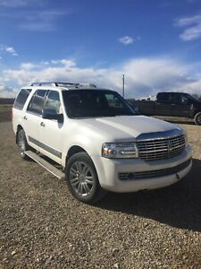 2010 2010 Lincoln Navigator Great Deals On New Or Used Cars And