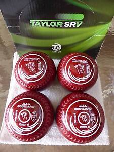 Lawn Bowls Taylor SRV size 4 Grip RED Speckle *EX. COND.* Happy Valley Morphett Vale Area Preview