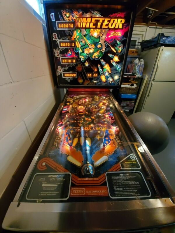 1979 Stern Meteor Pinball Machine w/ Extra Playfield, boxes, etc. - Plays Great