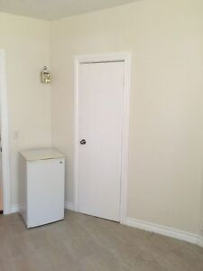 ROOM FOR RENT IN FORD CITY - $400 INC