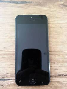 iPhone 5 - great condition - unlocked Vermont Whitehorse Area Preview