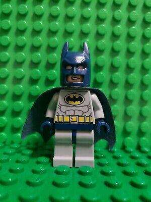 Lego Batman Light Bluish Gray Yellow Crest Minifigure 6860 6857 sh025a Type 2