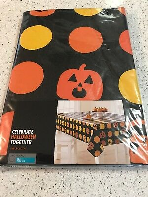 HALLOWEEN VINYL TABLECLOTH 70