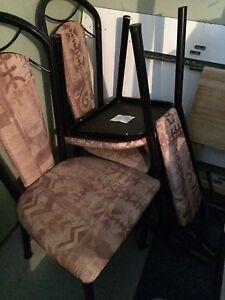 Table et chaises à donner
