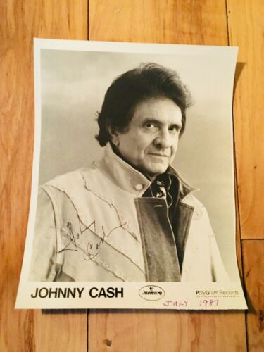 Johnny Cash Signed Photo 8x10 Autographed Country Singer Autograph Signature