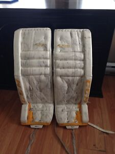 CCM extreme flex 500 goalie pads with glove and blocker,32+1