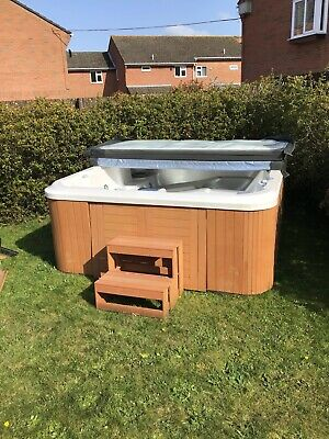 Winer Hot Tub