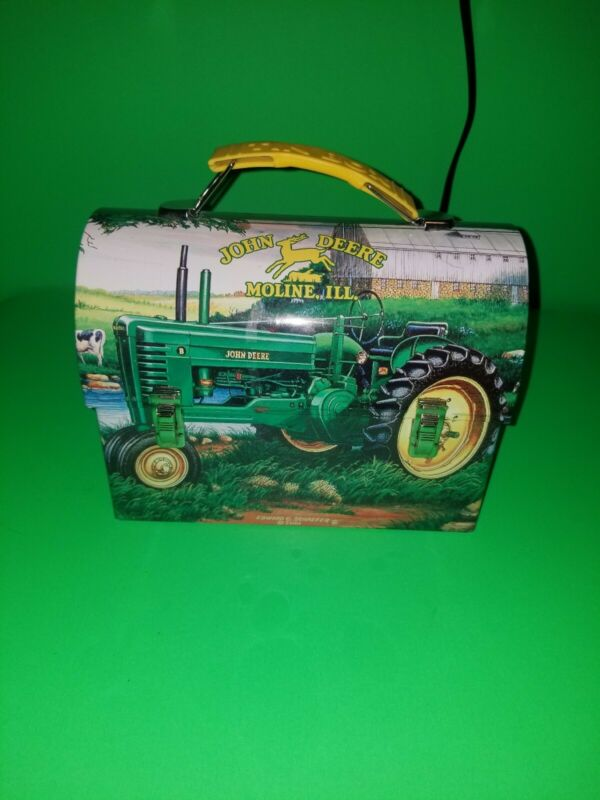 "Collectible Advertising John Deere 2001 Gummi Lunch Tin Box . 7"" x 3.5""     (33)"