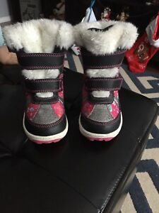 Toddler winter boots. Size 8