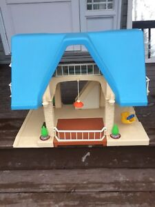 Little tykes doll house