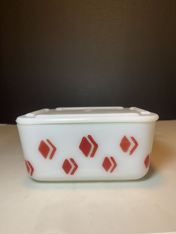 "McKee Red Diamond Check Harlequin Pattern 5"" X 4"" Refrigerator Box Jar Dish"