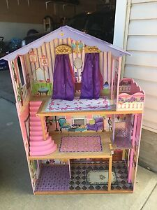 Kidcraft Doll House