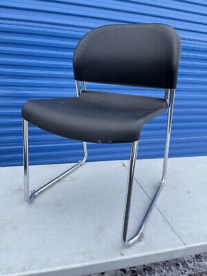 Hon Gueststacker 4032 Series Stacking Chairs