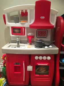 Little tikes red and white kitchen