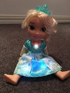 Singing Elsa doll Madeley Wanneroo Area Preview