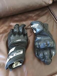 Five Road Motorcycle Gloves (Medium) Belconnen Belconnen Area Preview