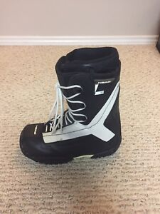 Size 9 Head Snowboard Boots