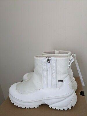 Ugg Australia Women's Yose Zip Boots Size 7 NIB