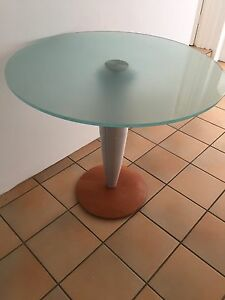 Round Table - glass Lilli Pilli Sutherland Area Preview