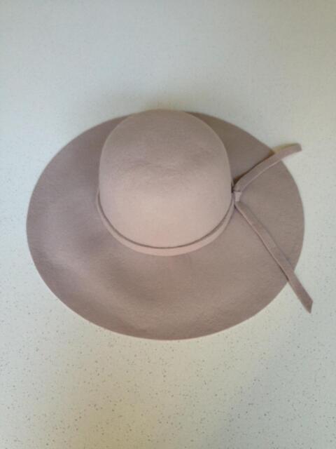 0f7cfd24932 Roxy Oriental Wind Floppy Felt Hat Sand Piper Size S M