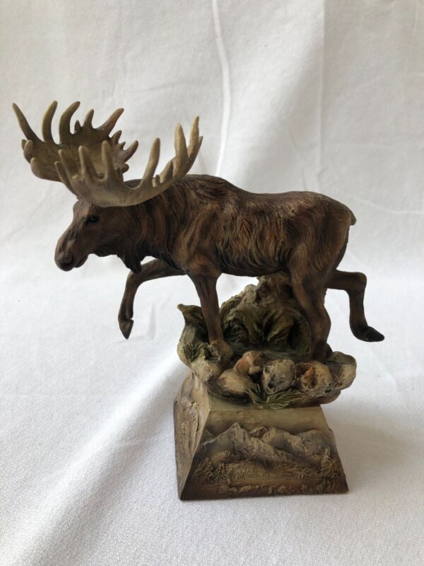 "MILL CREEK STUDIOS 77540 ""AMBLER"" MOOSE SCULPTURE  HAND PAINTED-DANNY EDWARDS"