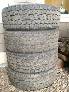 Toyo Open Country AT 285/70R17