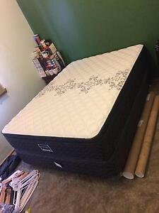 Queen-sized Bed and Mattress [For pick-up only] Reservoir Darebin Area Preview