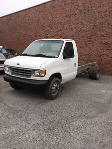 Ford cube van 350 for parts.