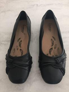 $60 – Instep Prudence Black Ballet Flat Size 9 (BRAND NEW IN BOX)