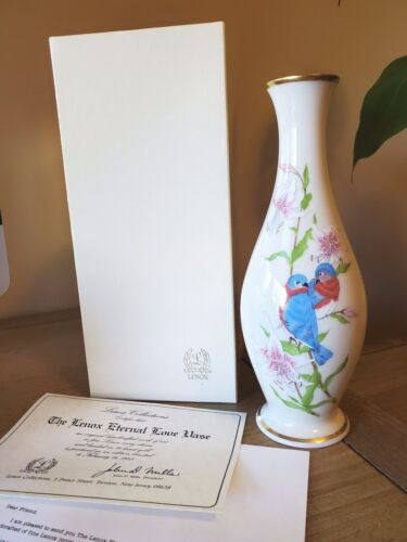"8"" Lenox ""Eternal Love"" Vase pair of Blue Love Birds gold trim limited edition"