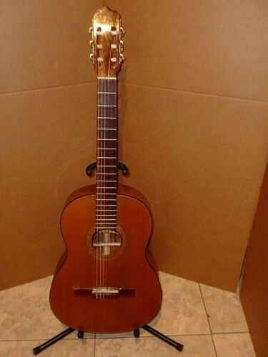 """VINTAGE """"ROCHIS"""" ROBERTO HUIPE V CLASSICAL GUITAR,EXCELLENT SOUND AND BEAUTIFUL"""