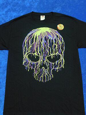Glow In The Dark Halloween Shirts (Dripping Liquid Skull Halloween T-Shirt Glows In The)