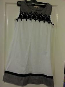 black/white dress Fletcher Newcastle Area Preview