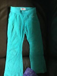 Box full of girls clothes  Oakville / Halton Region Toronto (GTA) image 3