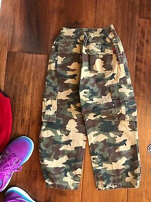 (NEW Wes and Willy Camo Long Pants in Boys Size 4)