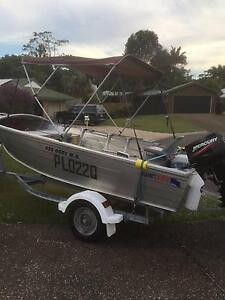 QUINTREX 4.2 METRE WIDE BODY DORY Tewantin Noosa Area Preview
