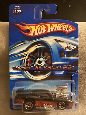 Hot Wheels 2006 #155 Tooned Pontiac GTO Judge