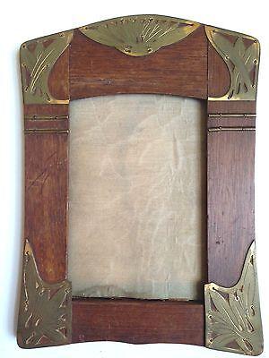 ANTIQUE VICTORIAN / ART NOUVEAU Wood & BRASS DESIGNED PICTURE FRAME