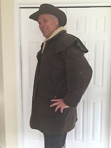 Australian Outback coat and matching hat Strathcona County Edmonton Area image 2