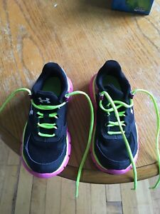 Girls under armour basket ball shoes