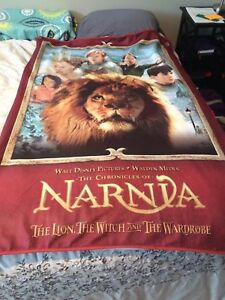 Narnia fleece throw