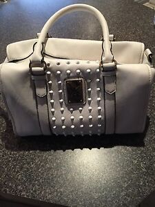 White Kardashian hand bag with purse Landsdale Wanneroo Area Preview