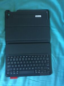 Logitech keyboard /case for iPad Air 2