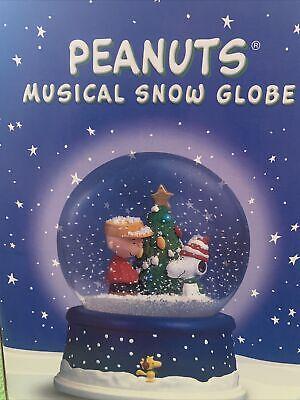 PEANUTS Charlie Brown Snoopy Christmas Tree Musical Snow Globe 50th Anniversary