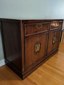 Hutch server sideboard cabinet Thomasville