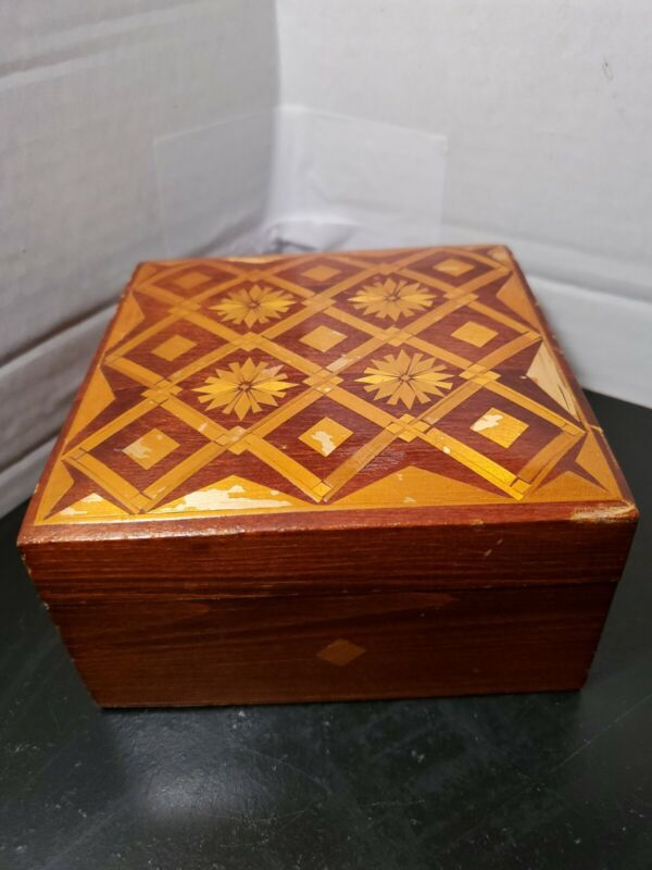 Vintage Russian Inlay Straw Wood Marquetry Trinket Jewelry Box 5.5 inch Square