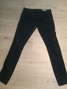 Guess Low Rise Jeggings 29w