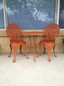 Vintage cast iron outdoor setting Forresters Beach Gosford Area Preview